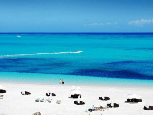 white sands at grace bay