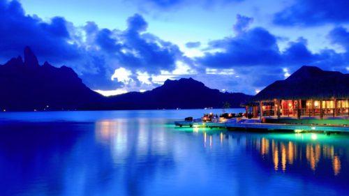 Bora Bora blue water