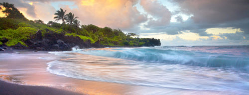 white wave of Maui