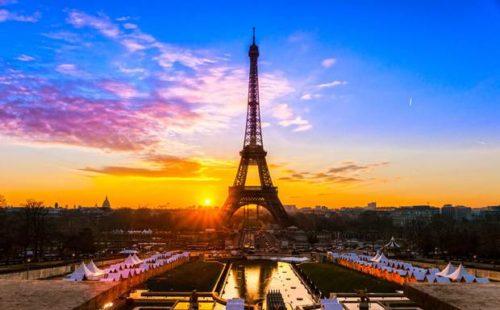 romantic warm sunset at Paris