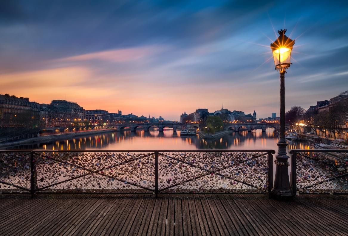 Paris Most Romantic Destination Gets Ready