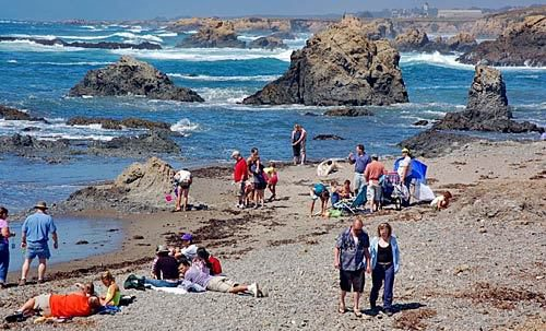 Glass Beach huge visitors
