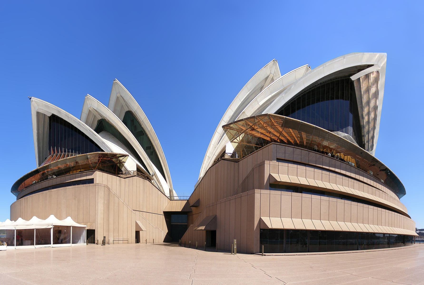 Sydney opera house australia gets ready for Sydney opera housse
