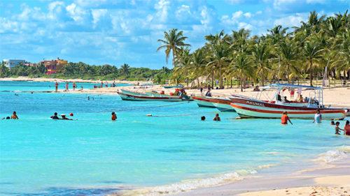 Playa Del Carmen with huge visitors