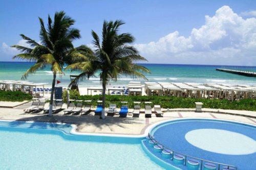 most luxury resort at Playa Del Carmen
