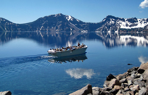 boating-at-crater-lake