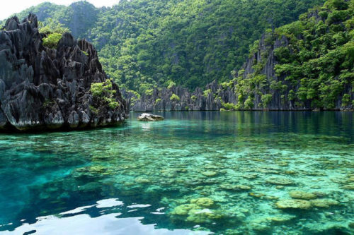 coron-island-beautiful-lake