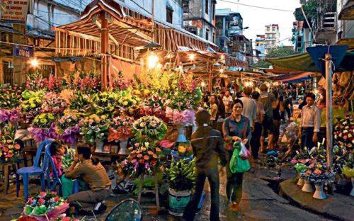 Flower market at hanoi