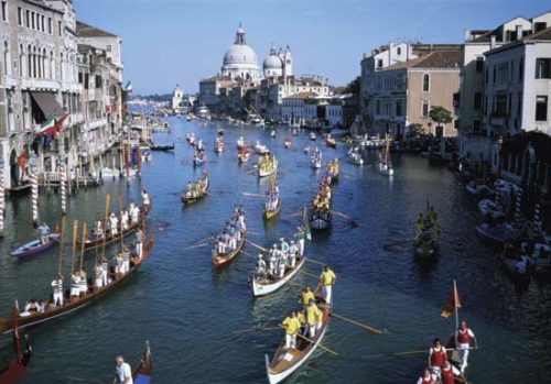 Grand canal italy activity
