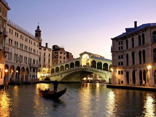 Rialto bridge grand canal italy