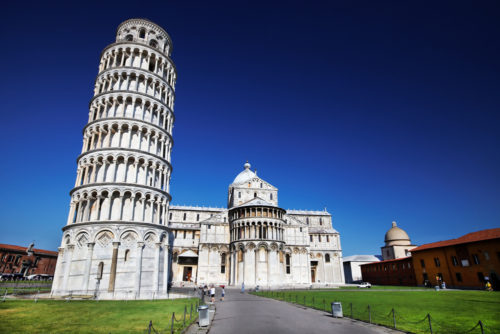 Come closer to leaning tower of pisa