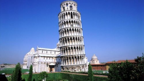 The real look of leaning tower of pisa
